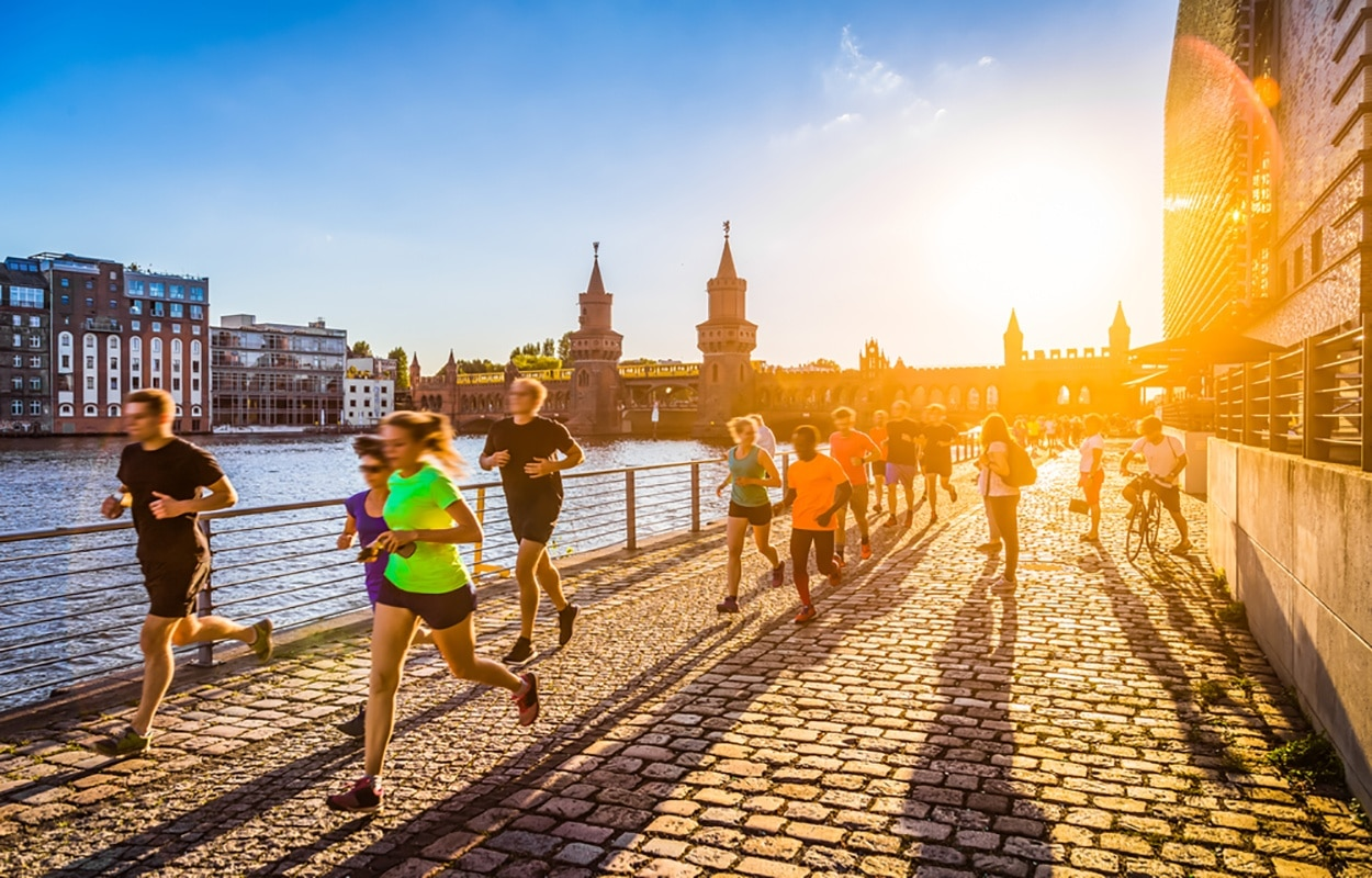 shutterstock_345287399-jogging-in-europe.jpg