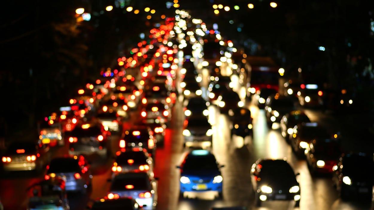 shutterstock_172856663-traffic-jam-telematics.jpg