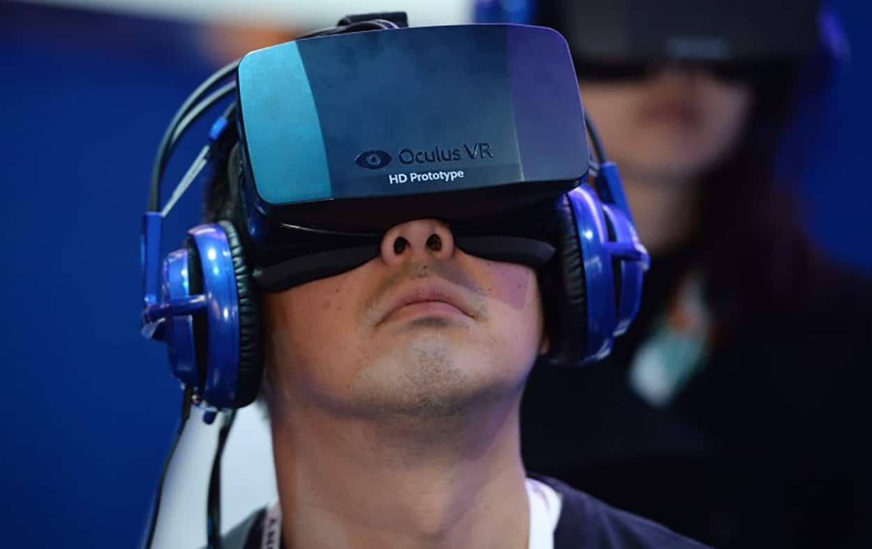 Virtual Reality to Re-Write Social Norms