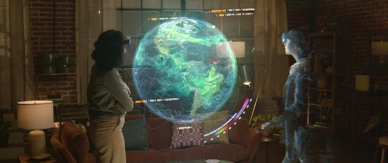 Microsofts-Holoportation-Makes-You-Present-When-Youre-Not.jpg