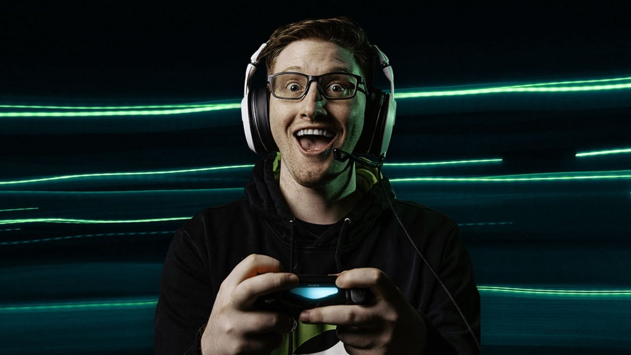 Oakley-Trumps-with-Scump-its-First-eSports-Athlete.jpg